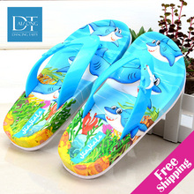 Nuovi Bambini Pistoni Del Fumetto Flip Flop Moda Scarpe genitore-bambino Famiglia Montato Sandali Bambini Pantofole Scarpe Da Spiaggia di Estate Delle Ragazze(China (Mainland))