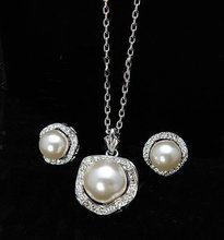 New Christmas charms 18K real Gold Plated Austria Rhinestone White pearl flower jewelry set !(China (Mainland))