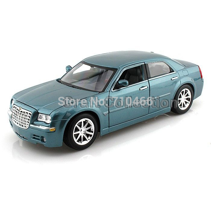 Blue 1/18 Maisto Chrysler 300C FCA Classical Diecast Model Car Miniature Scale Models Alloy Vehicle Brinquedos(China (Mainland))
