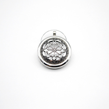 1pcs Stailess Steel Locket Necklace Essential Oil Diffuser Lockets Aromatherapy Jewelry Necklace With 70cm Chain BXG