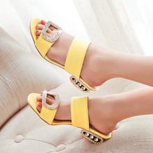 Women Sandals 2016 Summer Sandals Open Toe Beach Slippers Shoes Women Low Heels Ladies Rhinestone Sandals Yellow Large Size 9 10