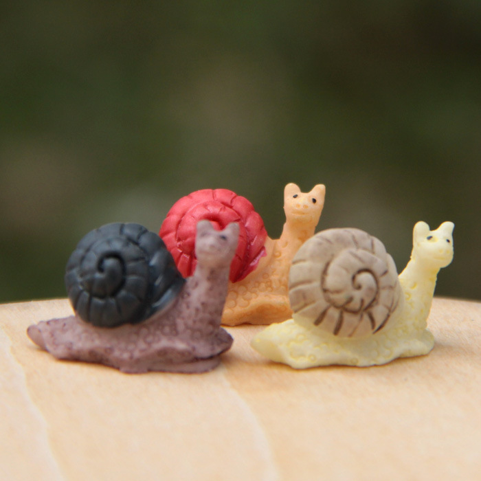 Sale mini animals snail fairy garden miniatures gnome moss terrariums mini resin crafts home decoration for home kawaii(China (Mainland))