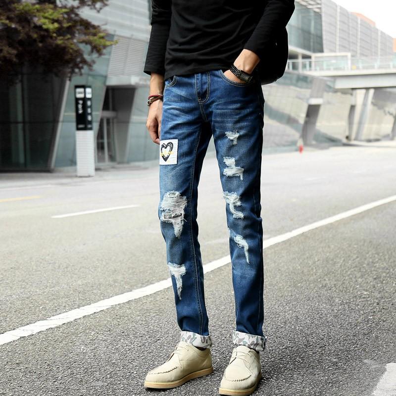 Скидки на Мужская патч отверстие рваные джинсы slim fit тощий лоскутная печати джинсовые брюки Моды карман на молнии гарем карандаш повседневные брюки # E11