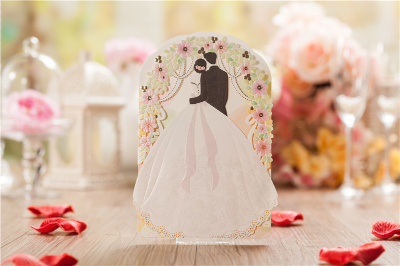 2015 fall new 50pcs/set free envelop and free seal bride and groom special tri fold laser cut wedding invitation cards CW5119(China (Mainland))