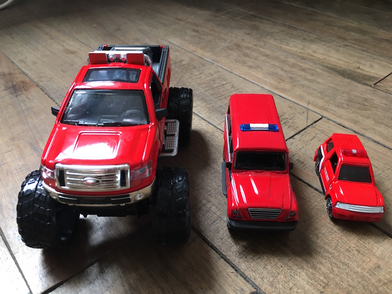 3PCS Red Mini Truck Ambulance Car Diecaset Metal Model Best Toys Kids Gifts Decoration(China (Mainland))