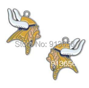Free Shipping! left- and right-facing single-sided Minnesota Vikings charm sport Pendant for men as gift.(China (Mainland))