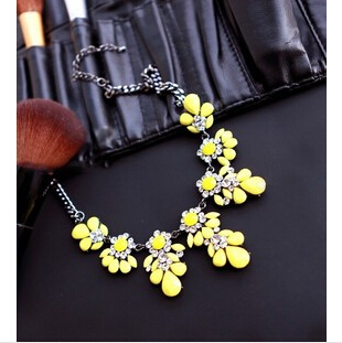 NL-416 Fashion Exaggerated Crystal Imitation Diamond Resin statement Necklace For Woman 2015  Choker Necklaces & pendants(China (Mainland))