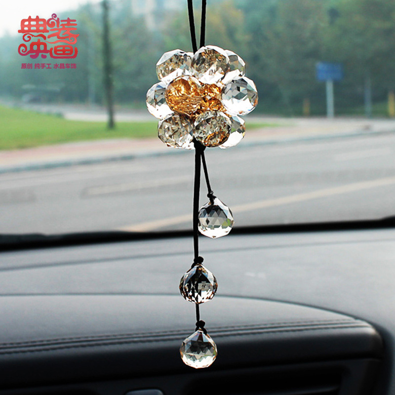 Code loaded car trailer Movie grade crystal pendant with a car interior decoration supplies lucky golden ball(China (Mainland))