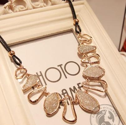 Korea style women choker necklace vintage matte color fashion pendant necklace ethnic women jewelry 0344(China (Mainland))