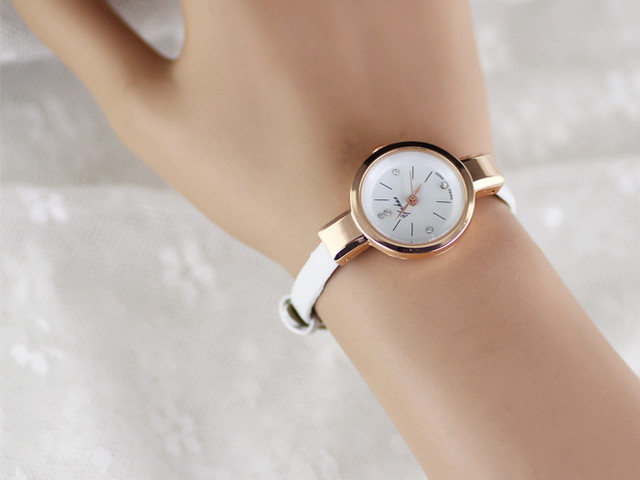 Zegarek damski delikatny cienki pasek lakierowana skóra różne kolory