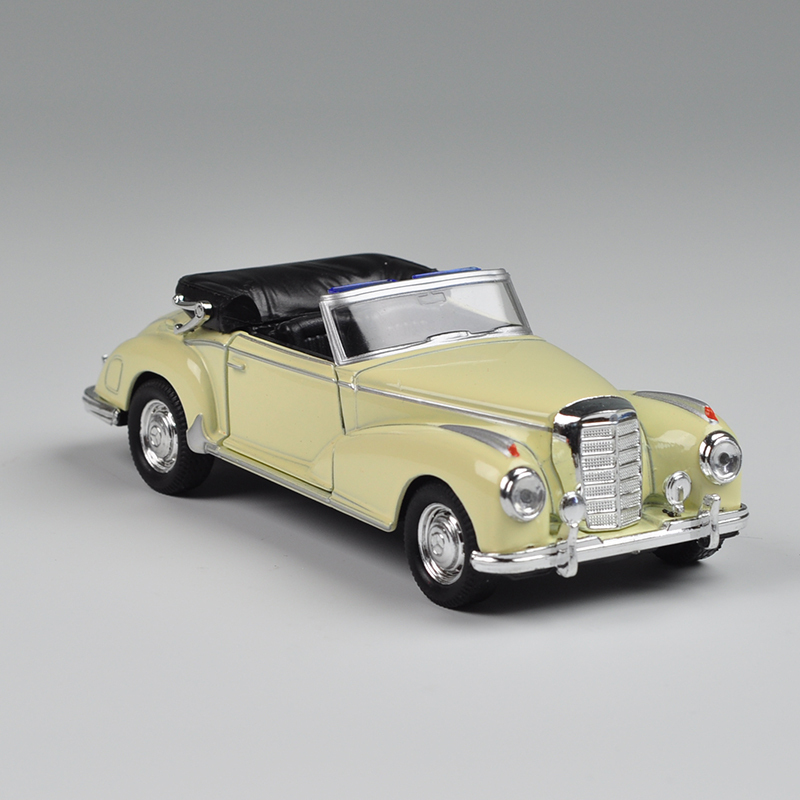 Vintage Car Styling Brinquedos 1:36 Mini Alloy Scale Car Model For 300s Car Die Cast Model Best Display Toys(China (Mainland))