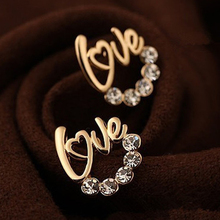 Fashion Accessories 2016 HOT New Arrival Wholesale Cute Gold Plated LOVE Letter Australia Crystal Stud Earrings For Women Gift