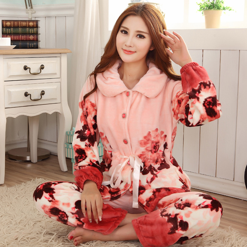 Autumn And Winter Long Sleeved Pajamas Painting Flannel Lady Homewear Female Cardigan Thickening Pijama Feminino Pijamas Pyjamas(China (Mainland))