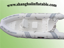 Professional 5 Persons 3 Air Room PVC Natural Rubber River Stream Lake Fishig Inflatable Boat with Paddles Pump(China (Mainland))