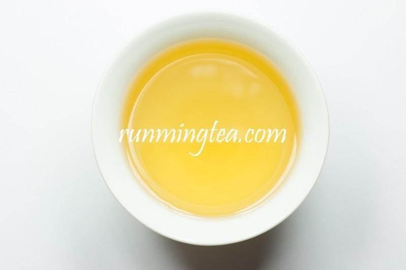 Весна Императорского чистый старое дерево Юэ Гуань бай чай, 100 г