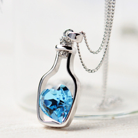 الإبداعي المرأة الأزياء قلادة السيدات الشعبية نمط الحب الانجراف زجاجة قلادة قلادة الأزرق القلب كريستال قلادة قلادة