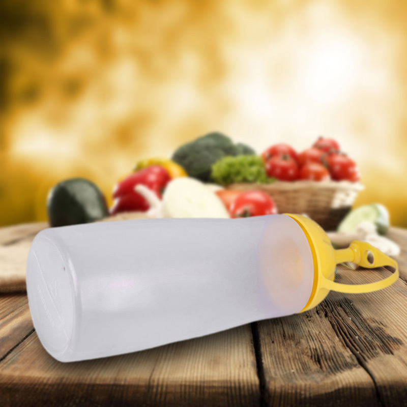 V1NF Heat Resistant Leakproof Vinegar Sauce Dispenser Container Squeeze Oiler Ketchup Bottle with Cover Yellow L Free Shipping(China (Mainland))