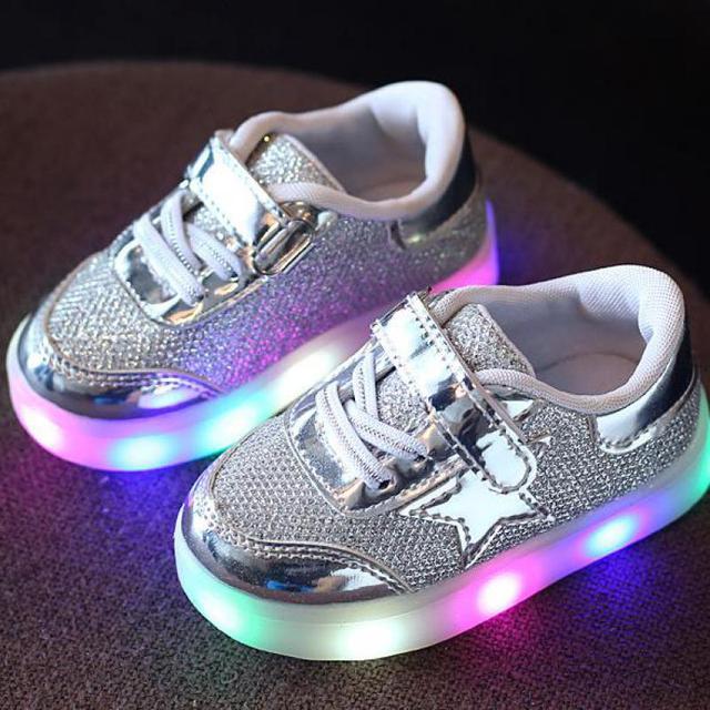 Новый Детская Обувь Мальчики Девочки Светящиеся Кроссовки Кожа PU Свет Детская Обувь Световой Моды Дети Дышащий Розовый Тапки