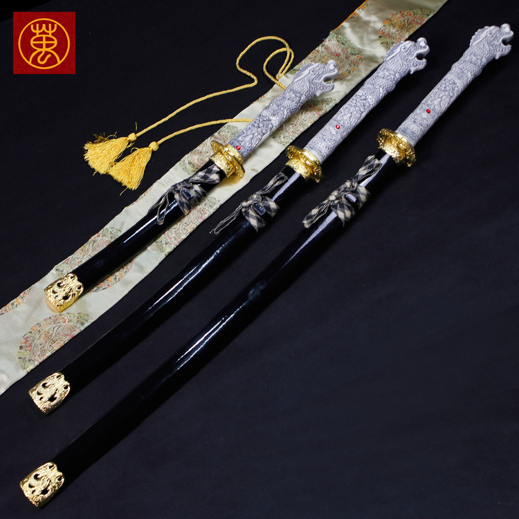 Japanese anime katana white faucet models Japanese anime model tan wooden sword is not open edge(China (Mainland))