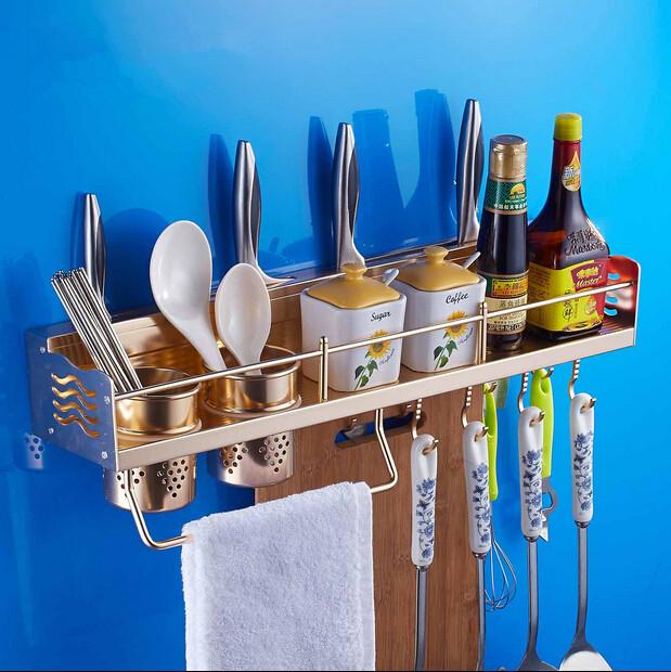 Wandplank Voor Keuken : Grijze wandplank met metalen brackets ...