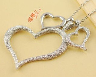 New Valentine Day Gift Three Peach Heart Necklaces Dull Polish Necklace Fashion Jewellery SN044A