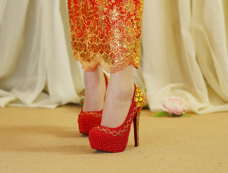 Love Moments Handmade red pearl and gold rhinestone chains bridal high heel shoes women pumps lady platform wedding shoes