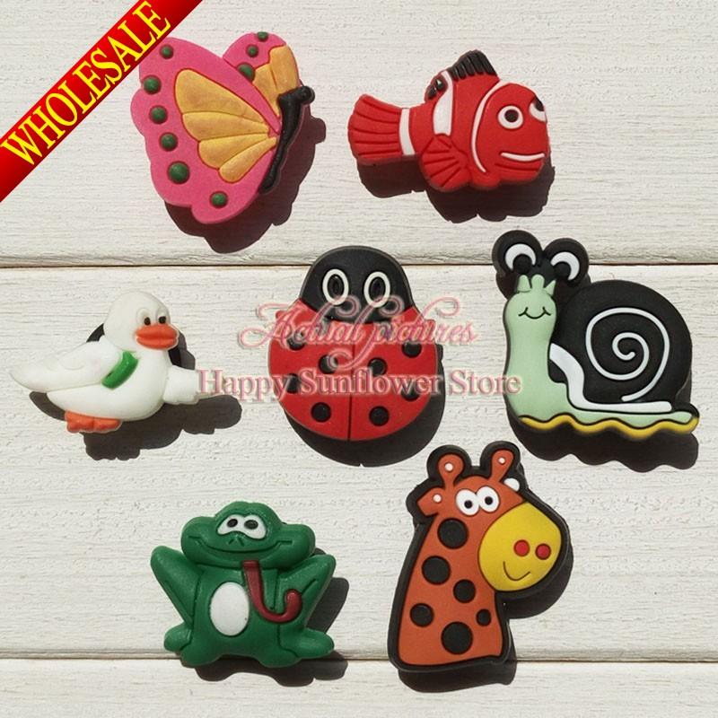 Hot 7PCS Flyers Aminals PVC Cartoon Shoe Buckles Accessories Fit Bands Bracelets Croc JIBZ,Kids Party Gifts/Favors(China (Mainland))