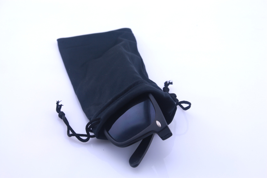 50pcs/lot 8.5*17cm Black Microfiber Sunglasses eyewear Pouch Spectacle Glass Cloth Bag Pouch custom glasses pouch available(China (Mainland))