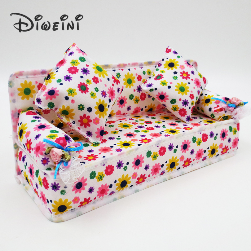 Mini Dollhouse Furniture Flower Cloth Sofa Dolls Accessories Couch With 2 Full Cushions For Barbie Doll House Toy girl wholesale(China (Mainland))