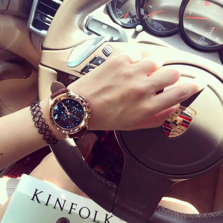 Моды для Женщин, Роскошные Часы Дамы Случайные Кварцевые Часы Резные Дело Игристые Сияющий Женский Наручные Часы Relogio Feminino OP001