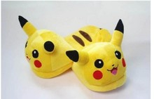 Nuevo 2013 envío gratis Nintendo Pokemon Pikachu de la felpa Slipper 1 par Anime Cosplay(China (Mainland))