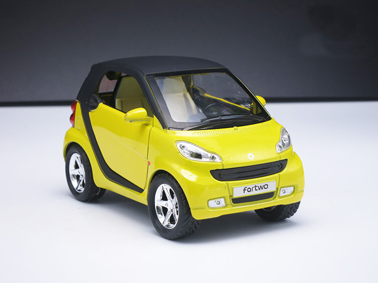 1:32 Diecast Mercedes Benz Smart Collection Alloy Car Model,With Pull Back Function/Music/Light/Openable Door As Gift For Kids(China (Mainland))