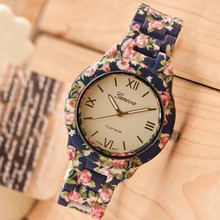 Brand Women Watch 2015 Fashion Casual Plastic Flower Geneva Quartz Watch Elegant Popular Women Wristwatch Relogio Feminino Clock