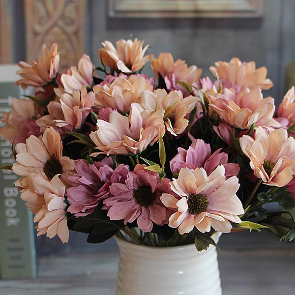 2Pcs Elegant Pretty European Light Purple Floral Bouquet Artificial Daisy Silk Flower Arrange Table Home Decor(China (Mainland))