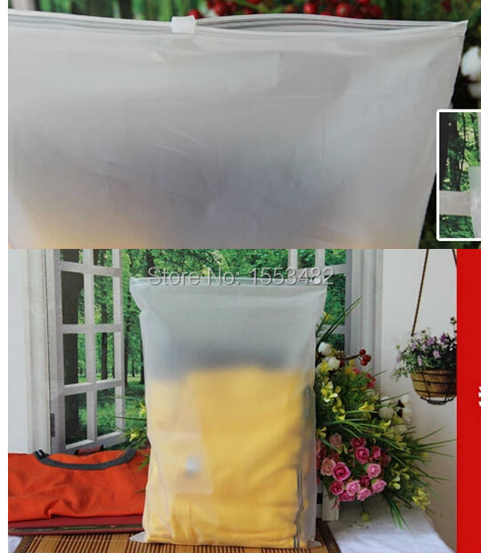 Size 28*40cm 12C ziplock Clear plastic bags for clothes packaging(China (Mainland))