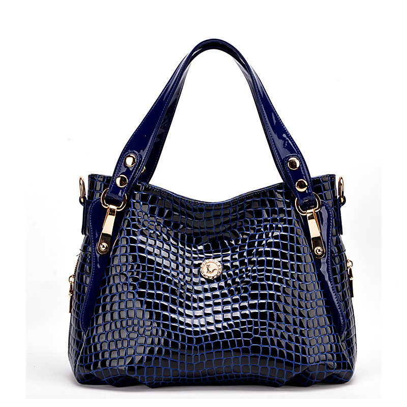 Danny thinks new bags of western style leather crocodile handbag with major suit fashion models selling(China (Mainland))