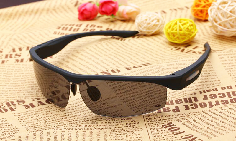 Bluetooth headset smart glasses polarized sunglasses stereo earphones driving glasses wholesale(China (Mainland))
