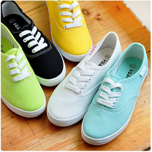 2016 fashion women canvas shoes low breathable women solid color flat shoes casual candy colors leisure cloth shoes(China (Mainland))