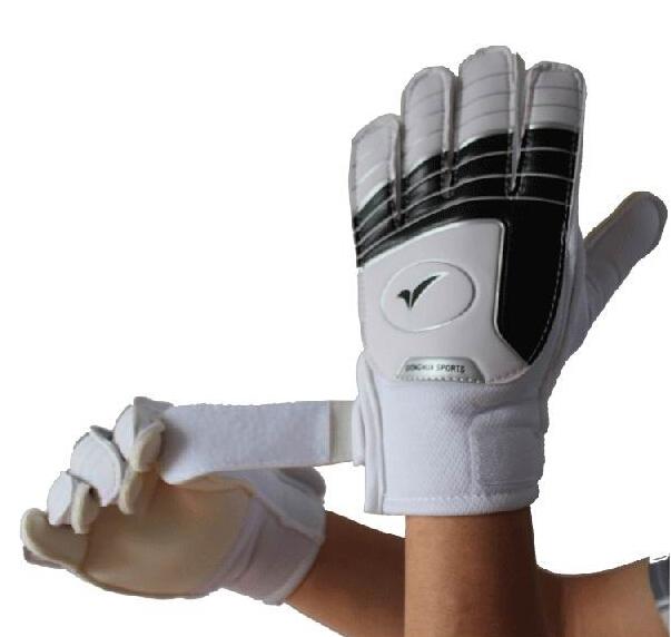 2016 New Child's Soccer Goalkeeper Gloves For Kids Football Latex Goalie Gloves Children Professional Sports Protection(China (Mainland))