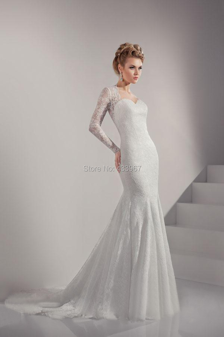 2015 beautiful lace wedding dress with covered buttons for Wedding dress long train