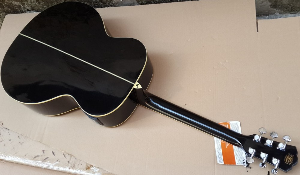 Jumbo Solid Spruce Top Acoustic Electric Guitar(China (Mainland))