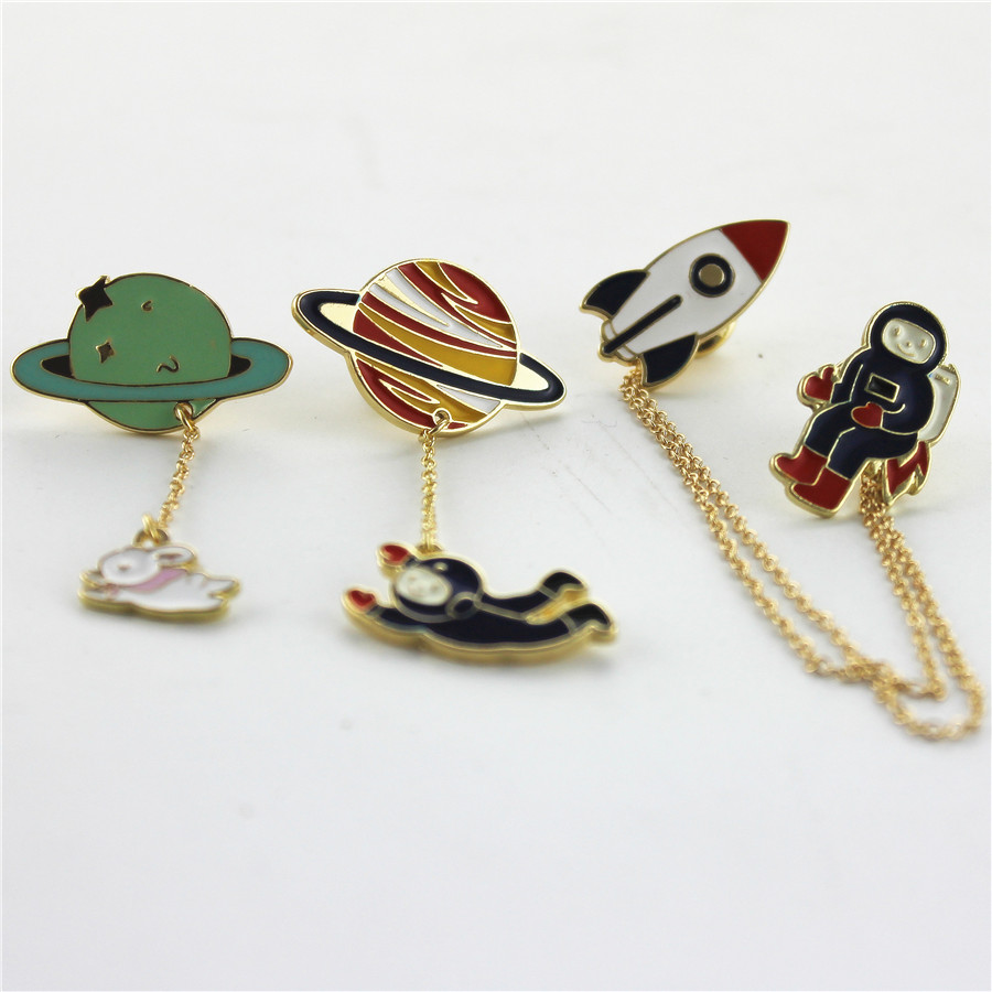 Fashion Vintage Designer Enamel 3 style Spaceman Planet Charm Costume Brooch Pins Jewelry Accessories for girl