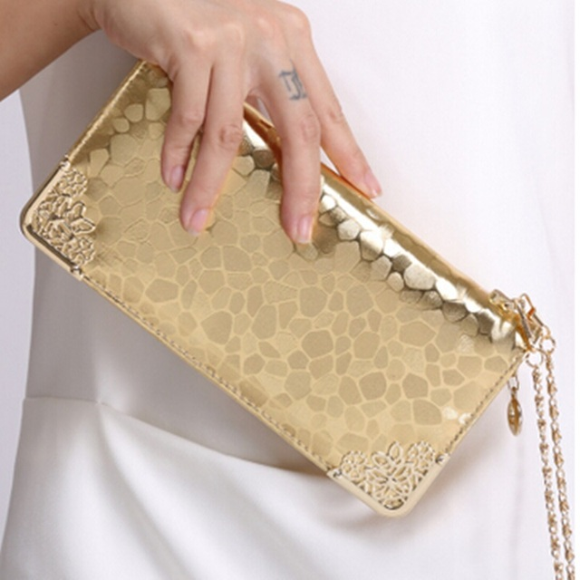 Качественный Винтажный кошелек из натуральной кожи Золотого цвета.