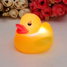 Top Selling Novel Style 1Pc Baby Kids Bath Toy Lovely Flashing LED Changing Lamp Light Duck Yellow(China (Mainland))