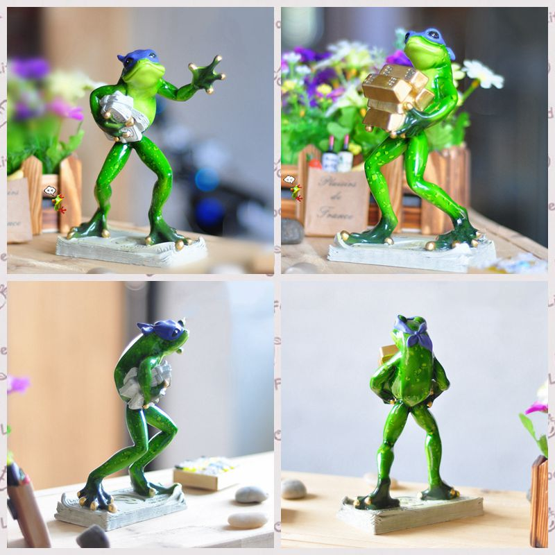 Free shipping Funny Burglar Thief Cash Gold Frog Figures Resin toys cake car office desk home decoration party favor kids gifts(China (Mainland))