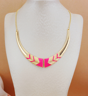 Xl193 2015 New Fashion Black Pink neon color Short female collar necklace For Women Fine maxi necklace(China (Mainland))