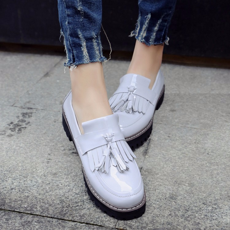 Patent leather Flat Oxford Shoes Woman Flats 2017 Fashion tassel British style Brogue Oxford Women Shoes moccasins A288-1