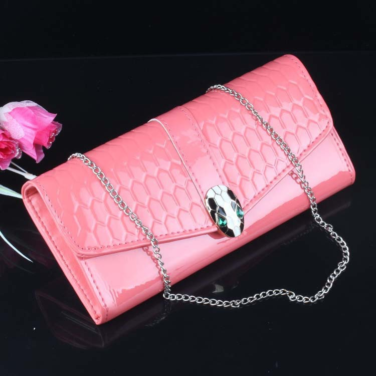 Spread the supply of a generation of fat lady version of the new patent leather wallet Long personalized wallet chain smugglers(China (Mainland))
