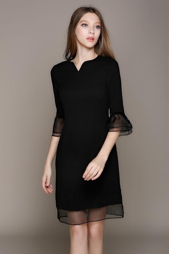 Robe noire courte a volants