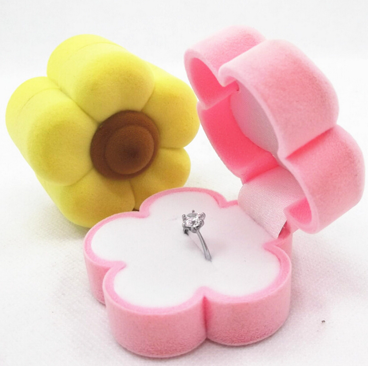 Flowers style fine jewelry Packaging Display Wedding rings earring Necklace pink/yellow high quality plastic Velvet gift box(China (Mainland))